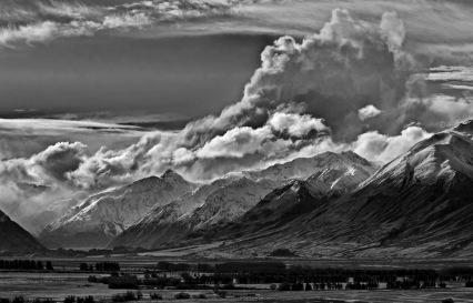 Clyde Peaks